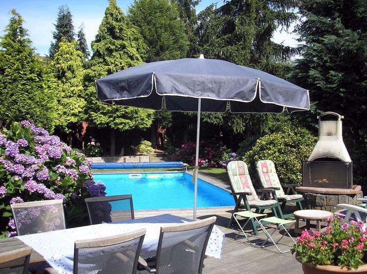 gasthaus wellerlooi limburg luxus ferienwohnung mit beheitztes privat schwimmbad pensionen. Black Bedroom Furniture Sets. Home Design Ideas
