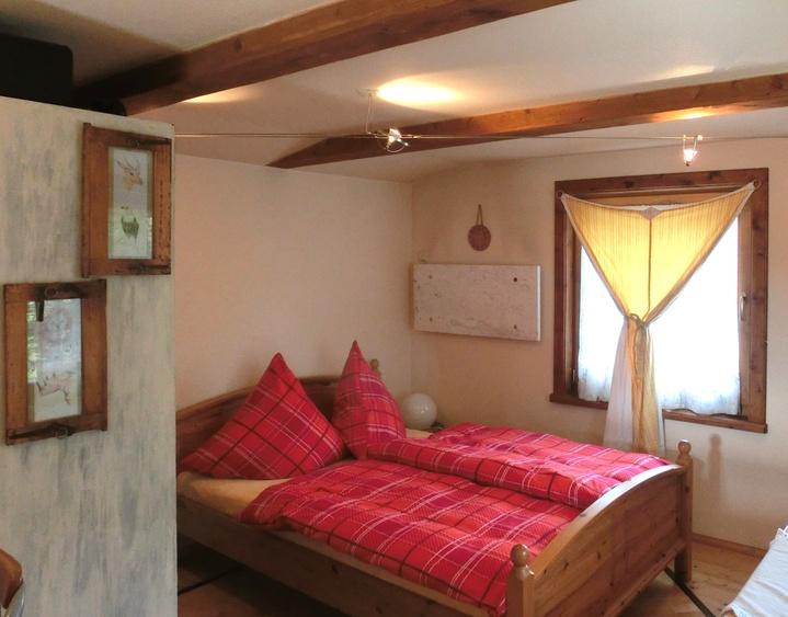Doppelbett in der Hütte