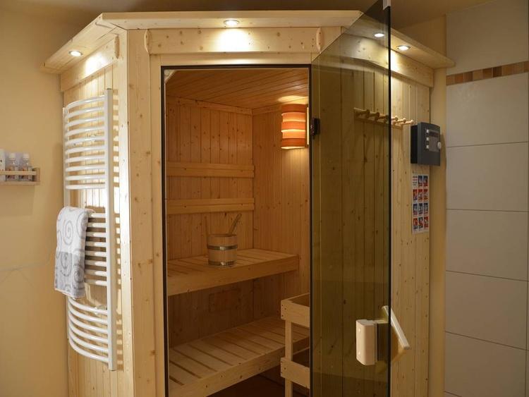 Haus (1) mit 3 getr. Schlafzimmern - 8 Personen - Sauna