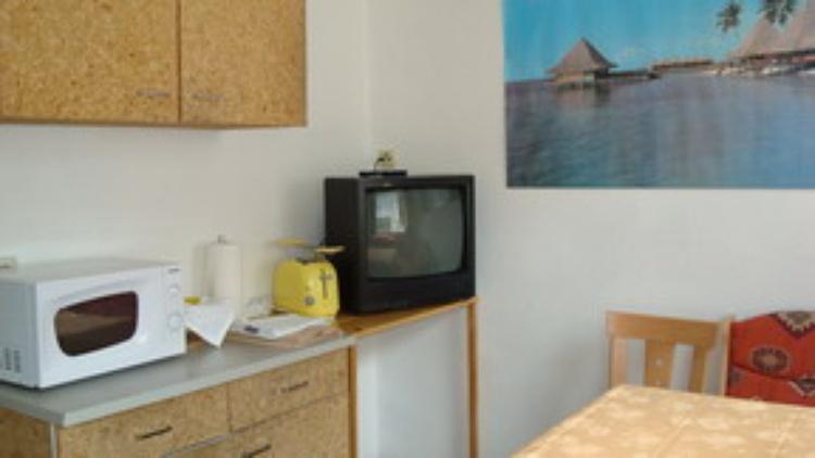 2.TV in der Küche