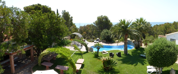 Panoramafoto von unserem Garten