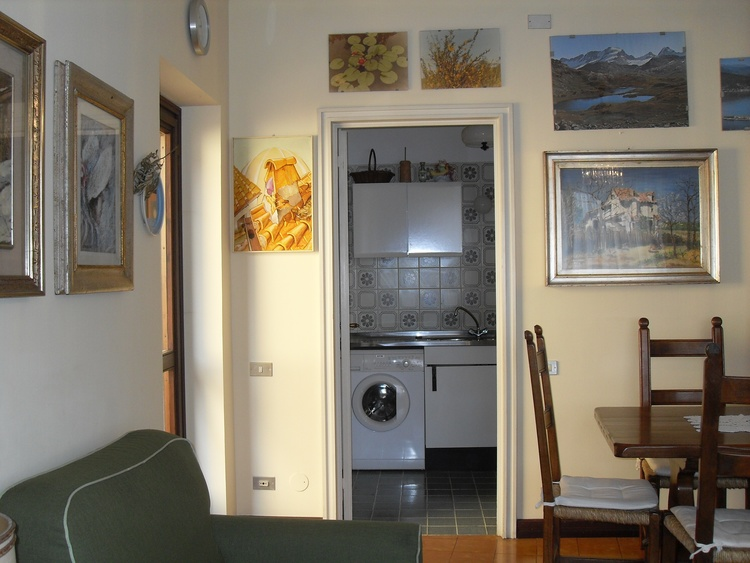 Living room and Küche