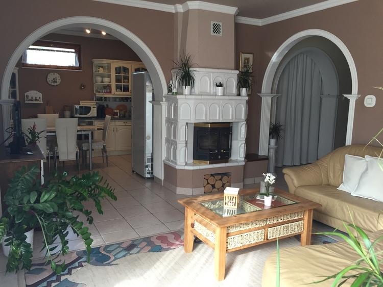 Erdgeschoss Appartement: Wohnzimmer und Küche