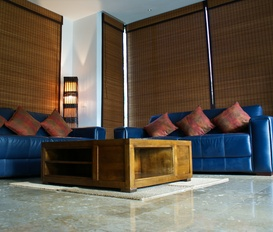 accommodation Maenam