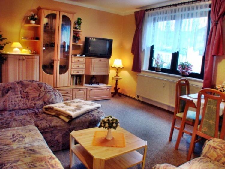 Wohnzimmer in der Fewo