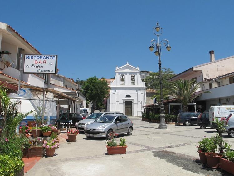 Santa Maria Piazza next to the beach