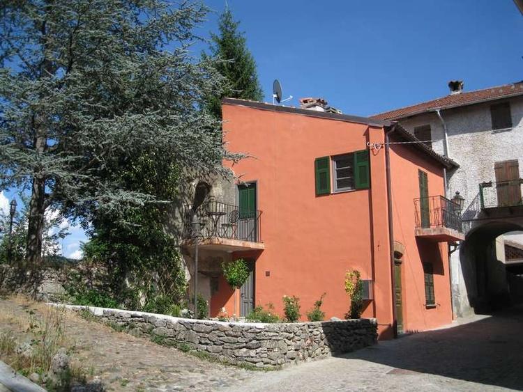 Borgo (5 km from Pian del Nasso)