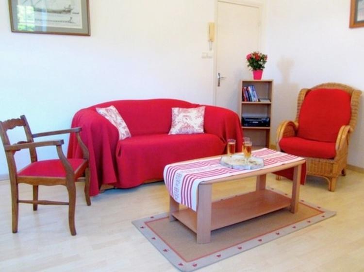 Wohnzimmer mit Meerblick. Wohnzimmer mit Satelliten-TV, DVD Player, Internetzugang