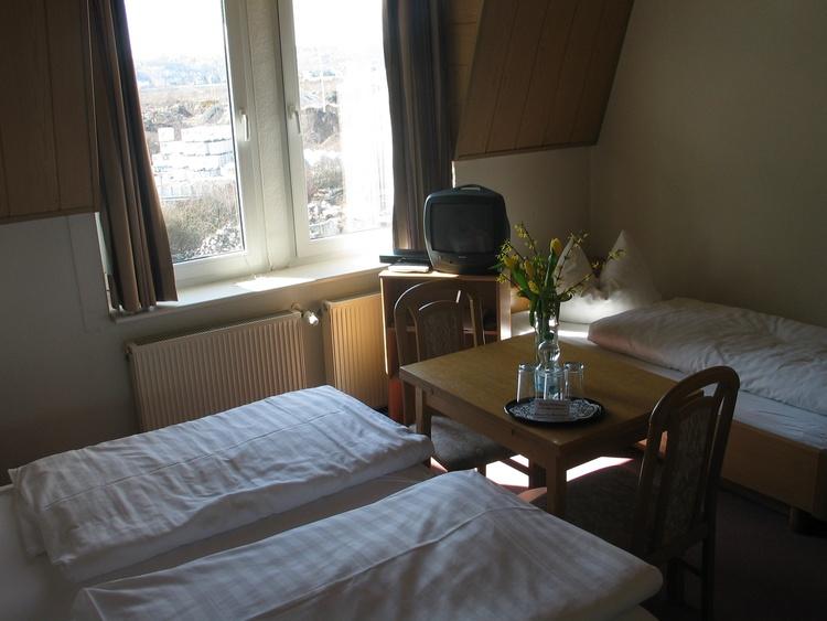 Triple-room with private bath-tub