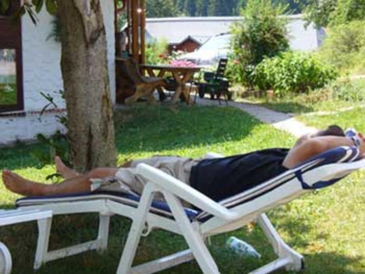 Hier haben Sie Ihre Ruhe - ganz entspannt im Liegestuhl