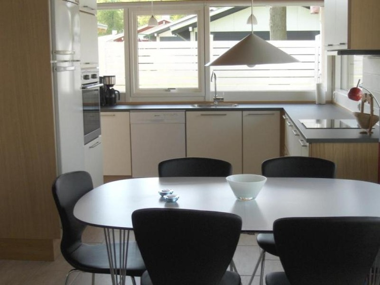 Modern & functional kitchen. Sea views. All kitchen appliances are available including induction hub
