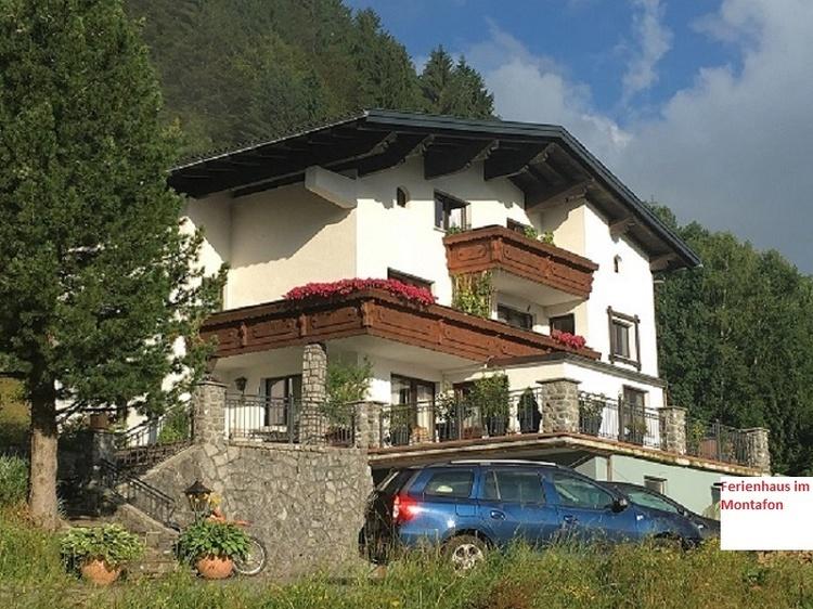 Das Haus  liegt in  ruhiger Lage mit herrlichem Bergblick