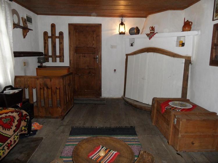 Second floor - antechamber