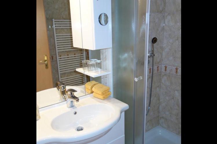 Studio shower pr'Skminc