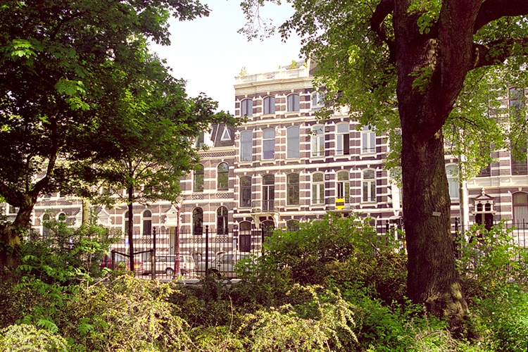 Parkzijde is housed in a gentleman's townhouse
