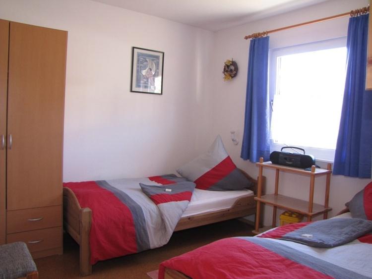 Schlafzimmer II mit Einzelbetten