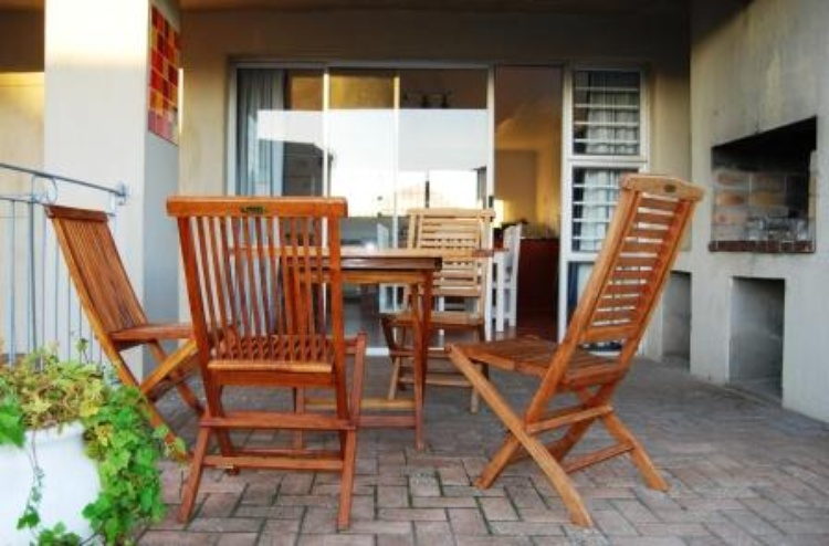 Built in BBQ and outdoor furniture.
