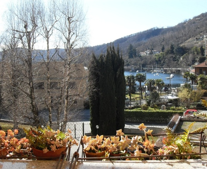 large terrace 16 sqm overlooking the lake