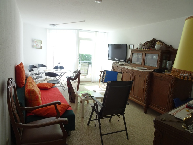 Wohnzimmer mit Balkon Ebene 2